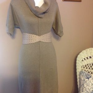 Belt with elastic back. (Dress not included)